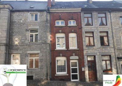 Certificat PEB d'une maison mitoyenne sur deux étage en brique rouge réalisé par JD Engineering