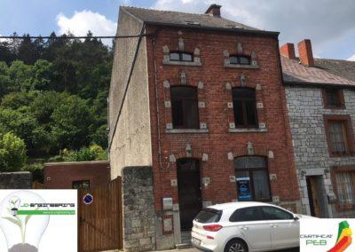 Certificat PEB d'une maison sur deux étages en brique rouge réalisé par JD Engineering